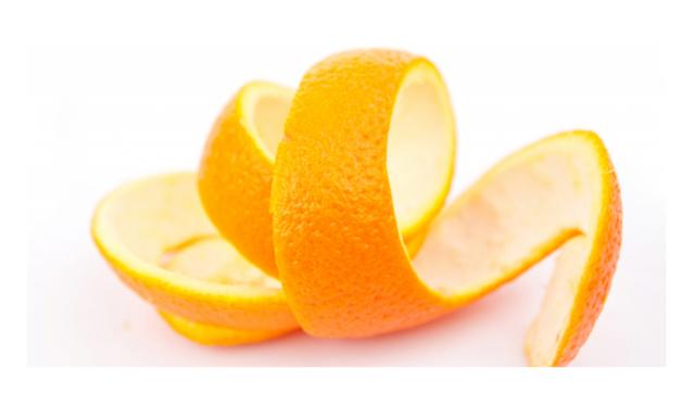 Sběr pomerančové kůry